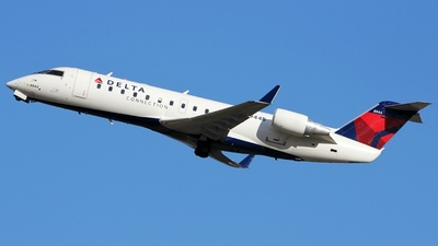 N8944B - Bombardier CRJ-200ER - Delta Connection (Pinnacle Airlines)
