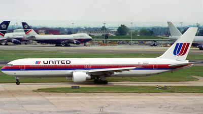 N645UA - Boeing 767-322(ER) - United Airlines