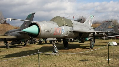 8113 - Mikoyan-Gurevich MiG-21MF Fishbed J - Poland - Air Force