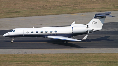 A picture of BLUE - Gulfstream G550 - [5147] - © win1038