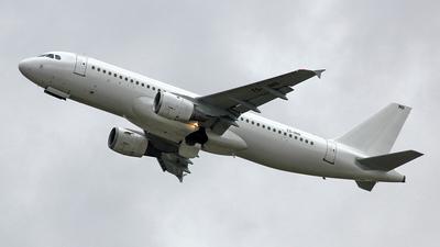 A picture of TSIND - Airbus A320214 - Nouvelair Tunisie - © Robert Kolek - lojza