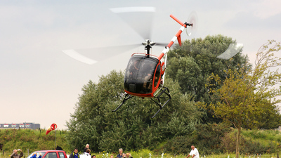 A picture of PHPHY - Schweizer 269C - [S1668] - © PlaneCatcher