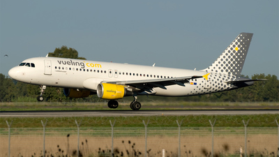 EC-LRN - Airbus A320-214 - Vueling Airlines