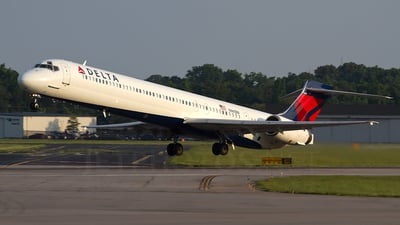 N961DN - McDonnell Douglas MD-90-30 - Delta Air Lines