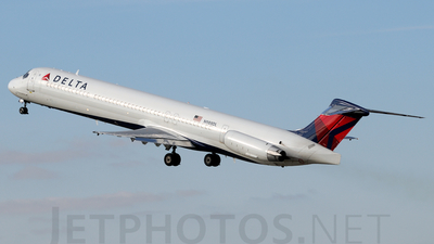 N988DL - McDonnell Douglas MD-88 - Delta Air Lines