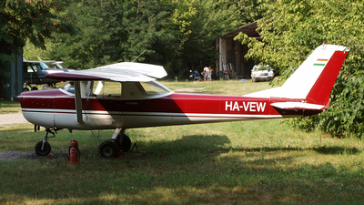 HA-VEW - Cessna 150F - Private