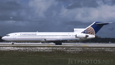 N59792 - Boeing 727-232(Adv) - Continental Airlines