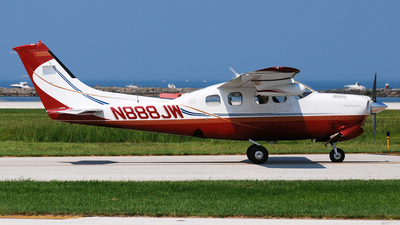 A picture of N888JW - Cessna P210R Pressurized Centurion - [P21000872] - © DJ Reed - OPShots Photo Team