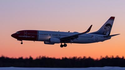 LN-NOM - Boeing 737-86N - Norwegian
