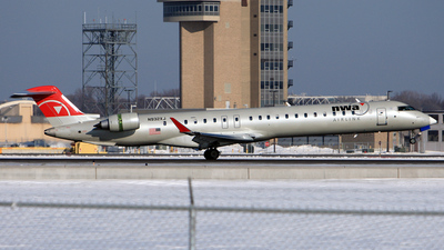 N932XJ - Bombardier CRJ-900ER - Northwest Airlink (Mesaba Airlines)