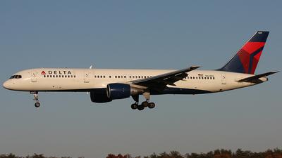 A picture of N628DL - Boeing 757232 - [22918] - © Mark Kopczak