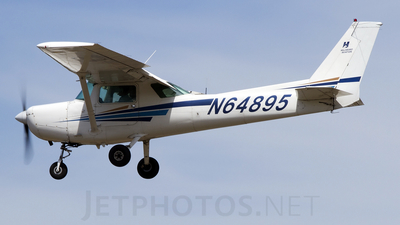 A picture of N64895 - Cessna 152 - [15281461] - © Geoff Landes