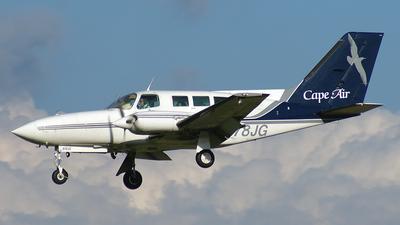 A picture of N678JG - Cessna 402C - Cape Air - © Peter Kesternich