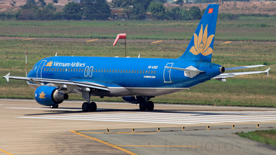 VN-A302 - Airbus A320-214 - Vietnam Airlines