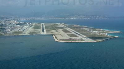 LFMN - Airport - Runway