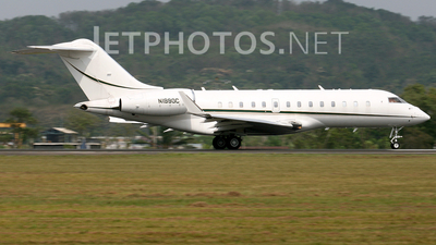 N1990C - Bombardier BD-700-1A11 Global 5000 - Private