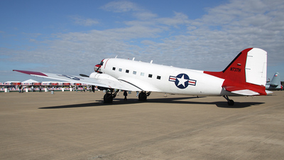 N737H - Douglas DC-3 - Private