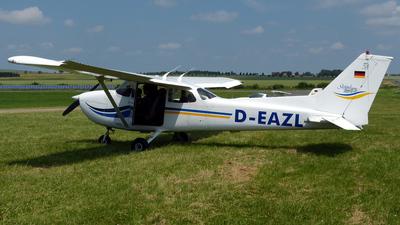 D-EAZL - Cessna 172S Skyhawk SP - Private