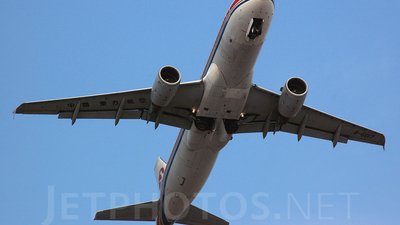 B-6017 - Airbus A320-214 - China Eastern Airlines