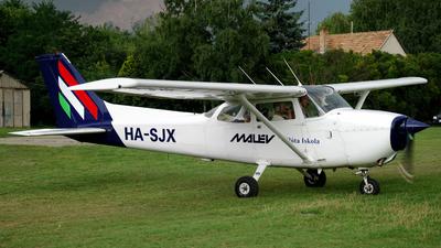 HA-SJX - Cessna 172N Skyhawk II - Aero Club - Malév