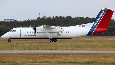 A picture of VHQQP - De Havilland Canada Dash 8300 - [232] - © Brock L