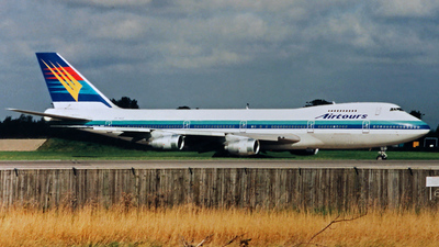 ZK-NZZ - Boeing 747-219B - Airtours International Airways