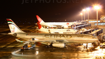 A6-EYJ - Airbus A330-243 - Etihad Airways