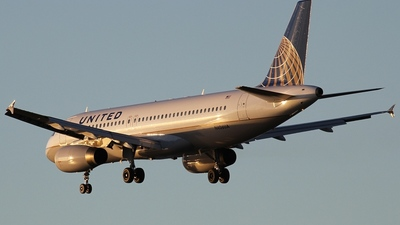 N406UA - Airbus A320-232 - United Airlines