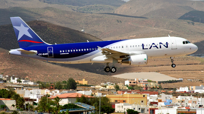 CC-BAR - Airbus A320-214 - LAN Airlines