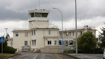 LFPN - Airport - Control Tower