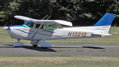 N13212 - Cessna 172M Skyhawk - Private