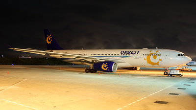 CS-TRA - Airbus A330-243 - Orbest