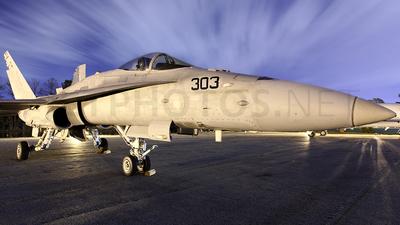 164210 - McDonnell Douglas F/A-18C Hornet - United States - US Navy (USN)