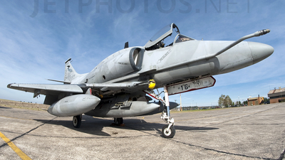C-916 - McDonnell Douglas A-4AR Fightinghawk - Argentina - Air Force