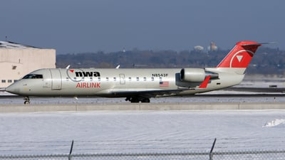 N8543F - Bombardier CRJ-200ER - Northwest Airlink (Pinnacle Airlines)