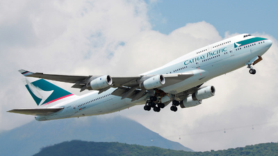 B-HUE - Boeing 747-467 - Cathay Pacific Airways
