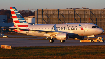 D-AVWC - Airbus A319-112 - American Airlines