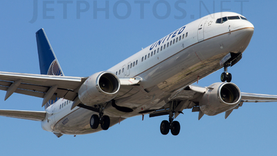 N35271 - Boeing 737-824 - United Airlines
