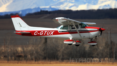 A picture of CGTUX - Cessna 172M Skyhawk - [17263462] - © Mike MacKinnon