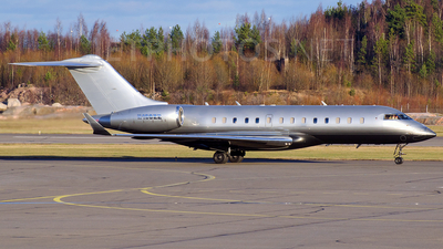 N103ZZ - Bombardier BD-700-1A11 Global 5000 - Private