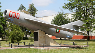 030 - Mikoyan-Gurevich MiG-17 Fresco - Bulgaria - Air Force