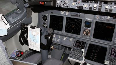 G-FDZW - Boeing 737-8K5 - Thomson Airways