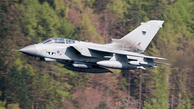 ZD890 - Panavia Tornado GR.4 - United Kingdom - Royal Air Force (RAF)