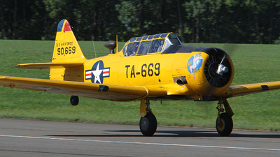 F-AZBL - North American AT-6G Texan - Private