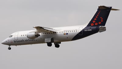 OO-DWK - British Aerospace Avro RJ100 - Brussels Airlines