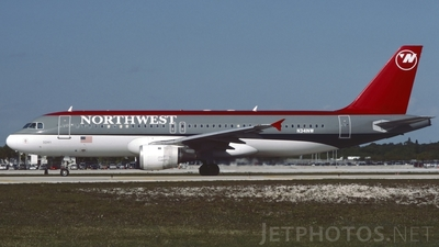 N341NW - Airbus A320-211 - Northwest Airlines