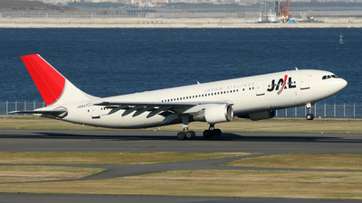 JA8375 - Airbus A300B4-622R - Japan Airlines (JAL)