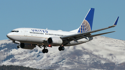 N29717 - Boeing 737-724 - United Airlines