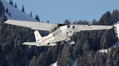 A picture of HBCQR - Cessna 172R Skyhawk - [17280506] - © Mirko Bleuer
