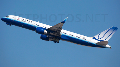 N517UA - Boeing 757-222 - United Airlines